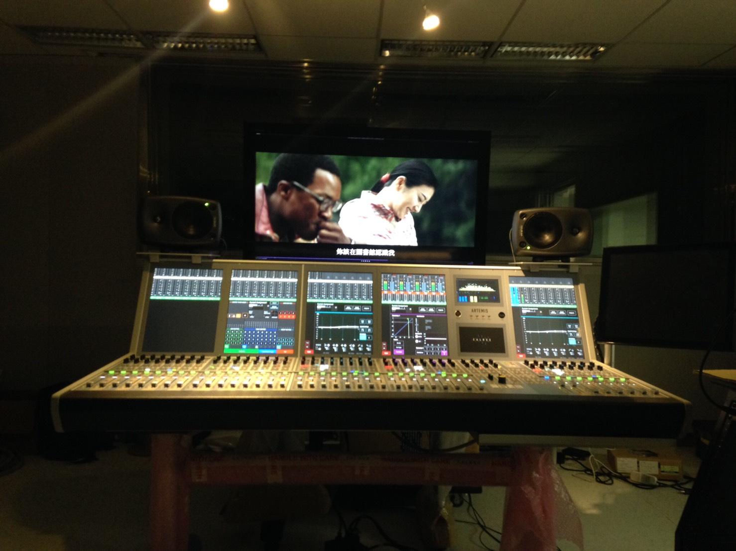 電視台成音控制室